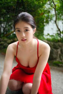 今田美桜の水着