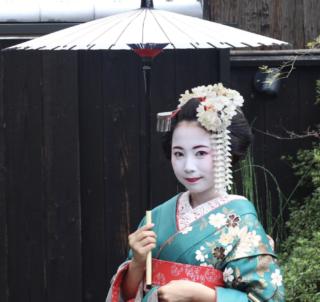 香川紗矢夏の舞妓画像