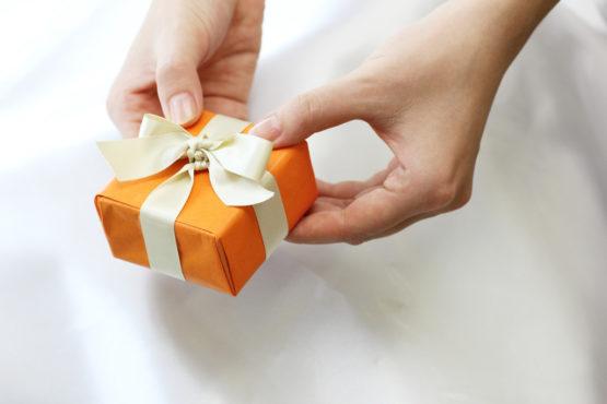 誕生日プレゼントの画像